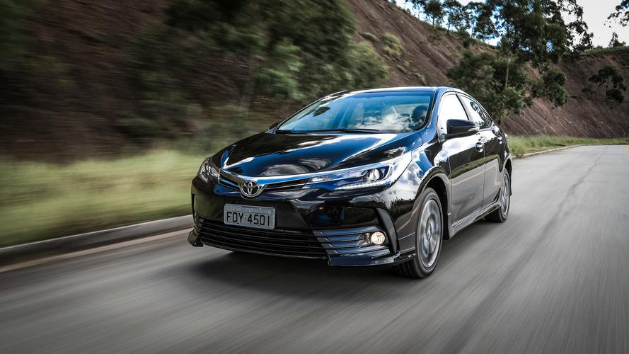 Mais vendidos no varejo - Toyota Corolla perto do pódio em abril