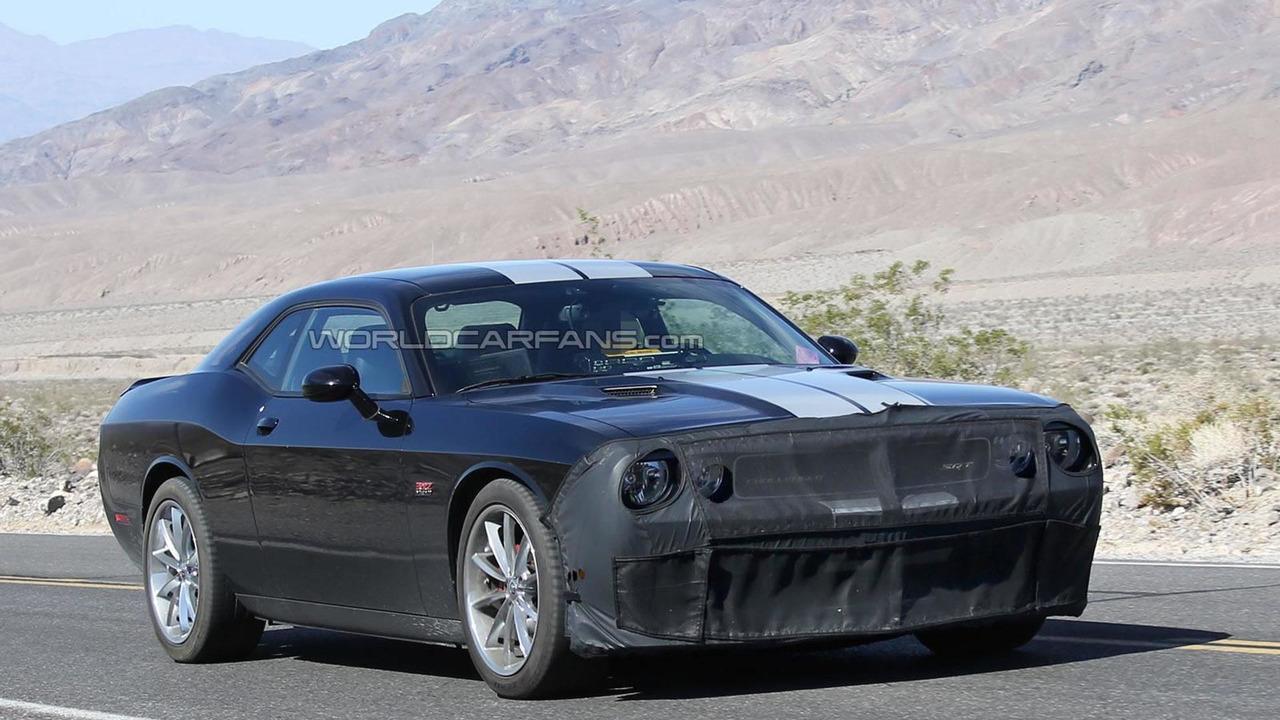 2015 Dodge Challenger SRT8 Hellcat spy photo photo