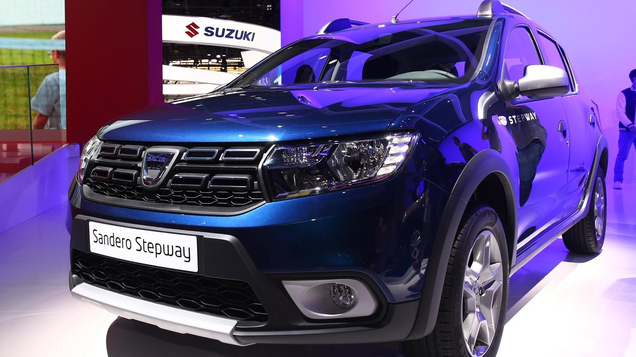 dacia sandero logan mcv facelifts at 2016 paris motor show photo gallery. Black Bedroom Furniture Sets. Home Design Ideas