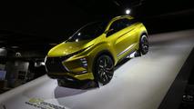 Mitsubishi eX Konsept Paris Otomobil Fuarı