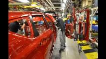 Nissan inicia produção do monovolume Note no Reino Unido