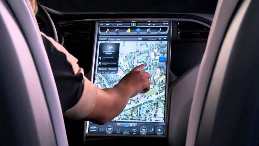 I touchscreen delle auto distraggono troppo