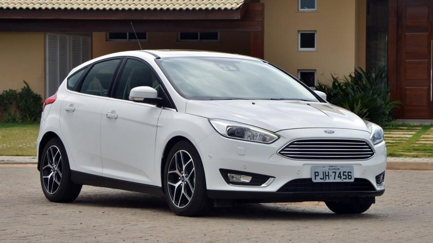 Ford Focus hatch e sedã ganham novas versões