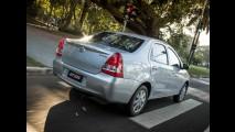 Toyota Etios automático fica mais caro em todas as versões - veja tabela