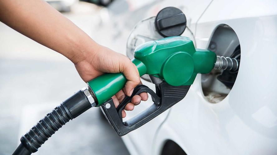Péntektől még tovább emelkedik az üzemanyagok ára