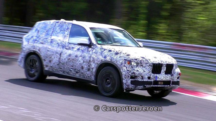 BMW X7 Nürburgring'de çevik görünüyor