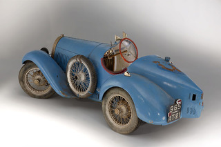 This Barn Find Bugatti Just Sold for a World Record Price