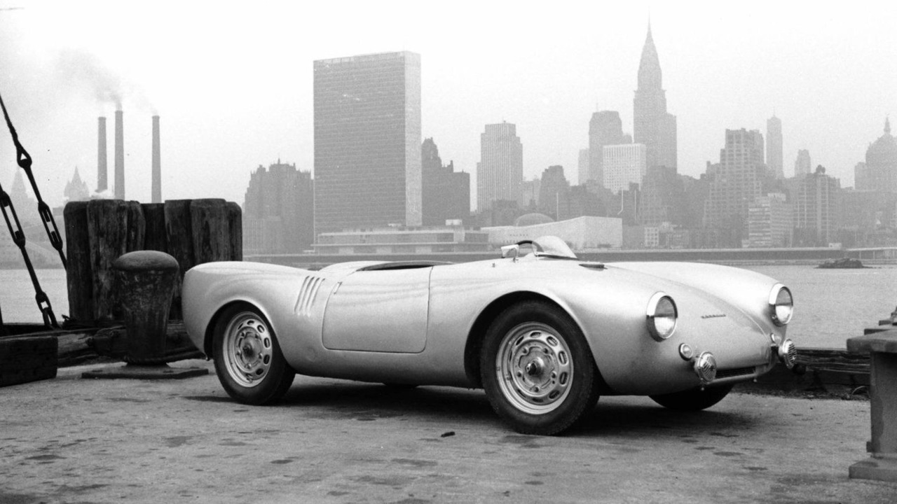 Porsche 550 Spyder, New York City Skyline, 26.03.2010