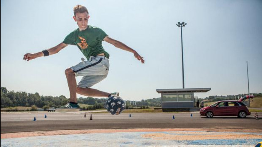 Social Test nuova Citroen C4 Picasso: la Boxe, lo Street Soccer e i gavettoni