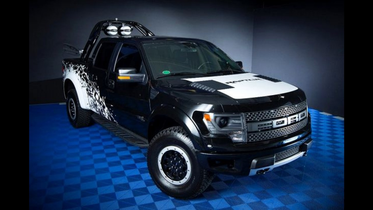 "Ford marca presença no SEMA Show 2013; Transit ""Hot Wheels"" é destaque"