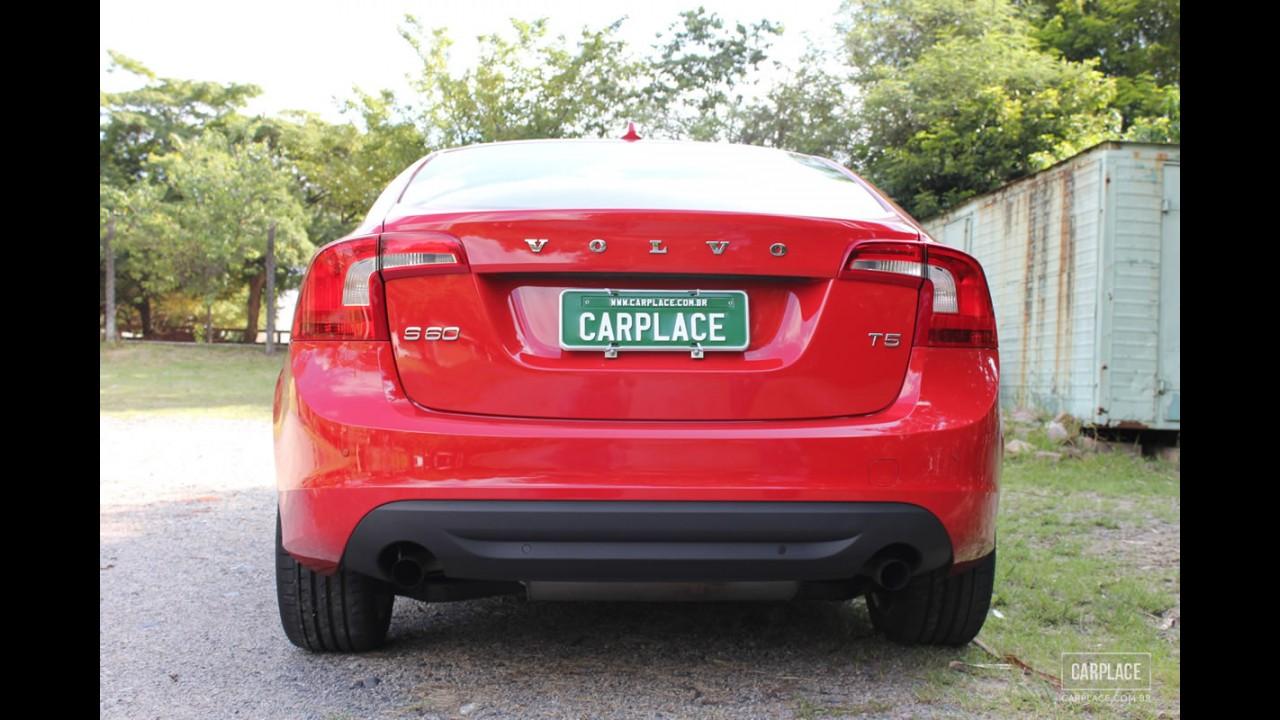 Garagem CARPLACE: Todos os detalhes do visual do Volvo S60 T5 2012