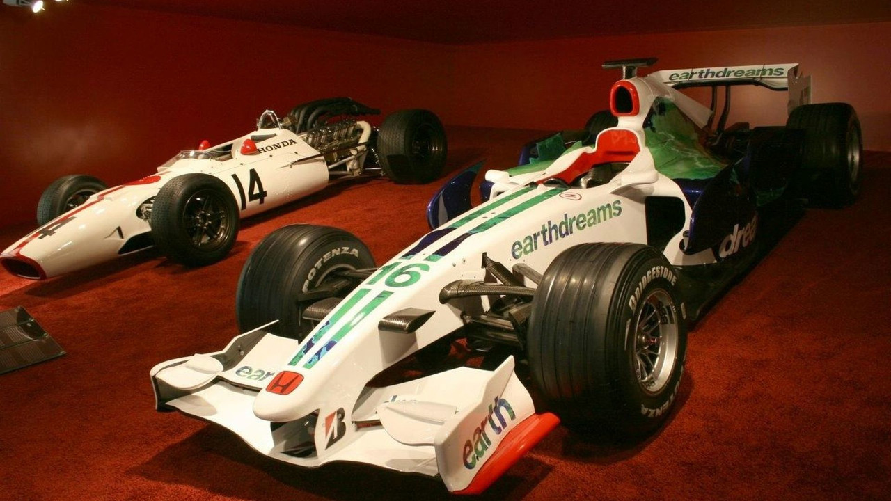 Old and new F1 Honda's