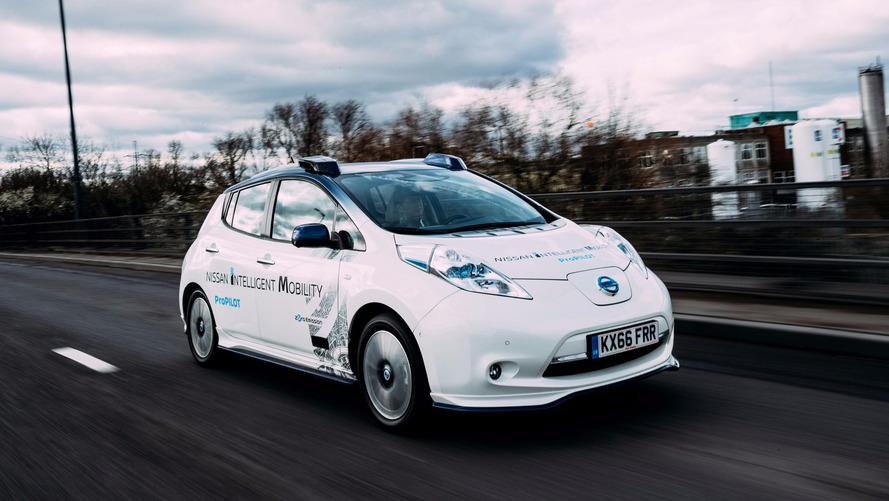 Autonomous Nissan Leaf Has Trouble Navigating London's Congestion