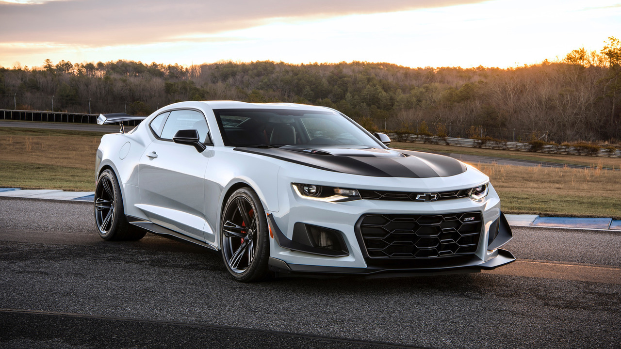 first 2018 chevy camaro zl1 1le being auctioned at barrett jackson. Black Bedroom Furniture Sets. Home Design Ideas