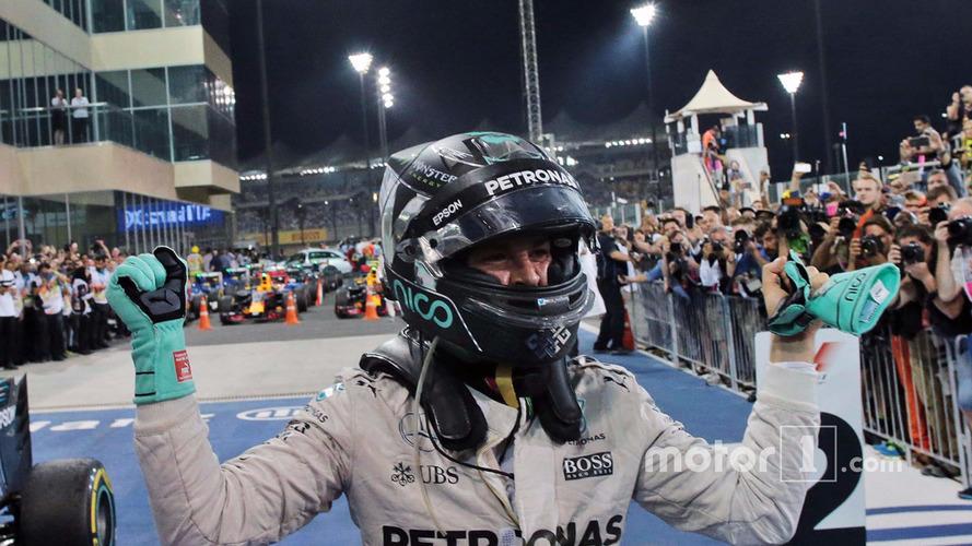 Procurando piloto, Mercedes anuncia vaga na revista Autosport