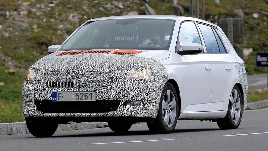 Skoda Fabia Combi facelift makes spy photo debut