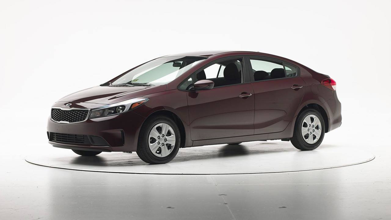 stronger 2017 kia forte earns iihs top safety pick award. Black Bedroom Furniture Sets. Home Design Ideas