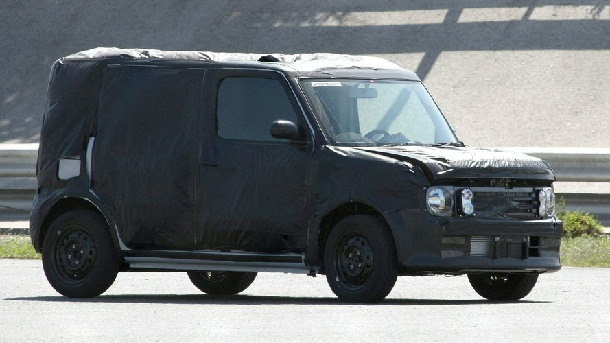 Nissan Cube Spied