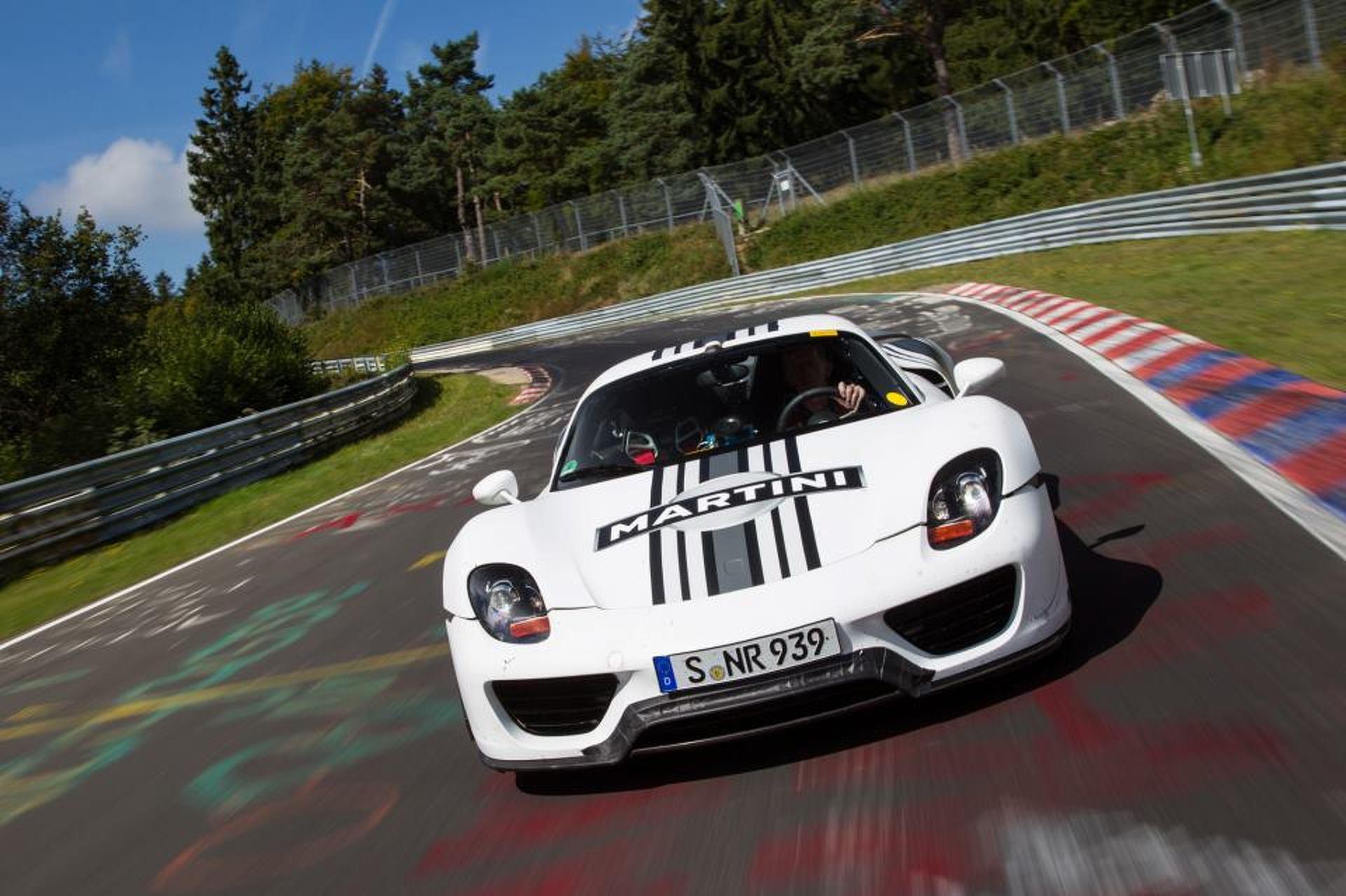 porsche-918-spyder-completes-714-run-on-nurburgring-nordschleife Amazing Porsche 918 Spyder at Nurburgring Cars Trend