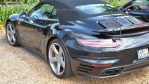 WCF reader spies several Porsche 911s
