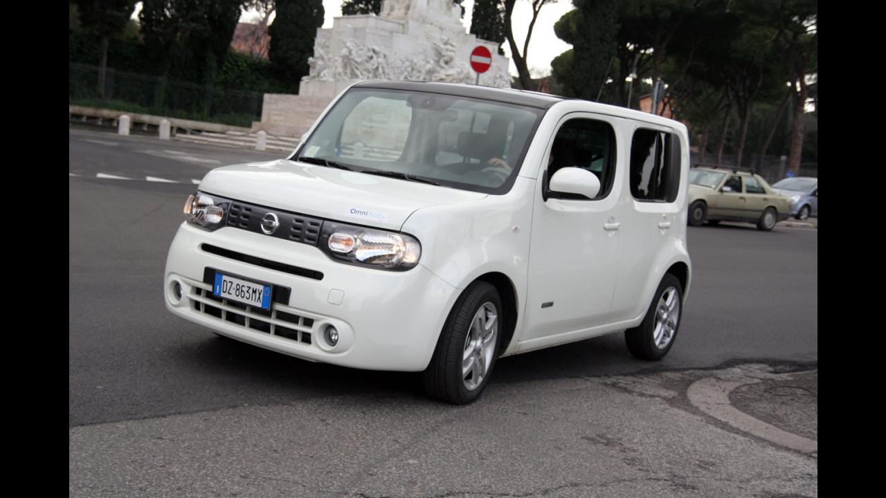 Nissan Cube per le strade romane