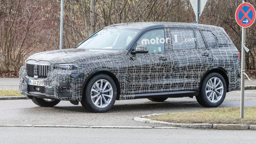 BMW X7 Spied Showing More Of Its Big Kidney Grille