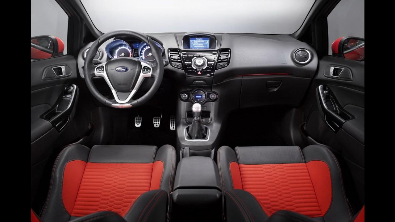 Salão de Genebra: Ford revela versão de produção do Fiesta ST