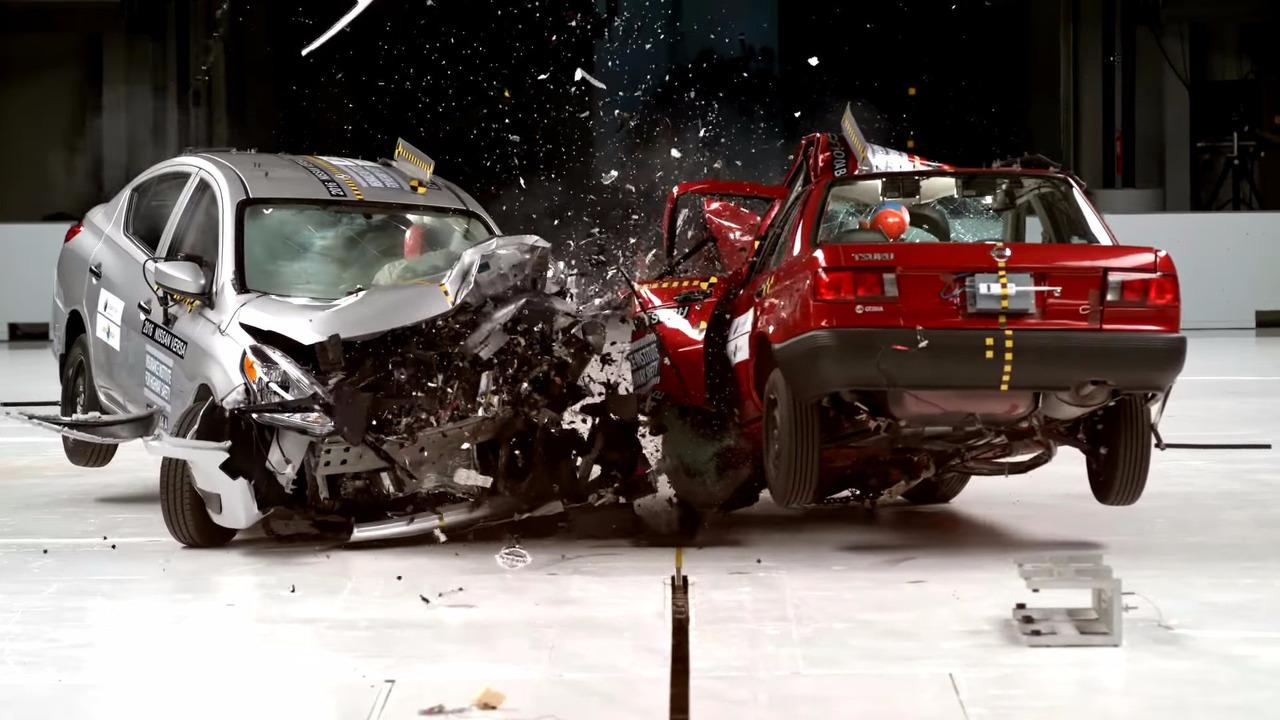 Nissan Tsuru crash test | Motor1.com Photos