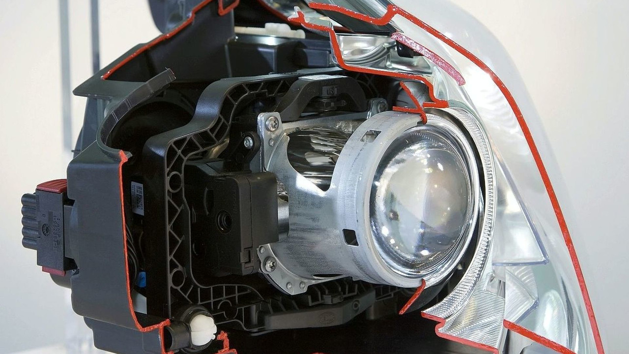 Opel Insignia teaser headlights