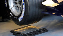 Weight meter system / scales - Formula One Testing, Circuit de Catalunya, 29.11.2005 Barcelona, Spain