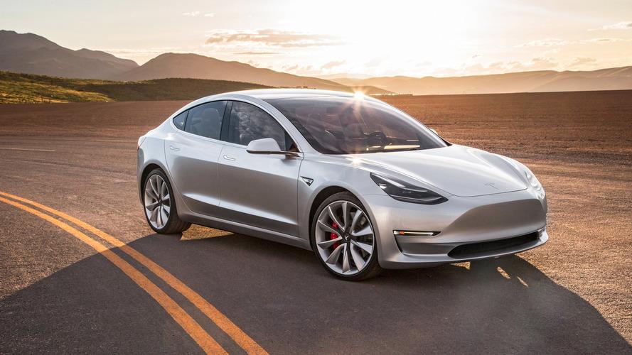 Tesla Model 3 seri üretimi başladı