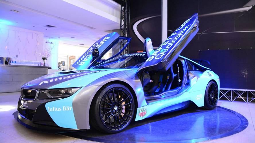 A frissített BMW i8 Coupé a Formula E új biztonsági autója