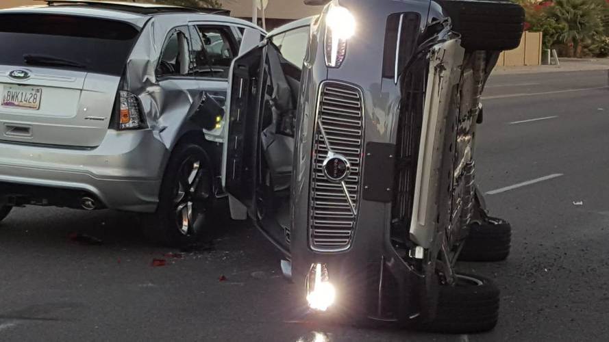 Yayayı ezen Uber, sürücüsüz araç testlerini durdurdu