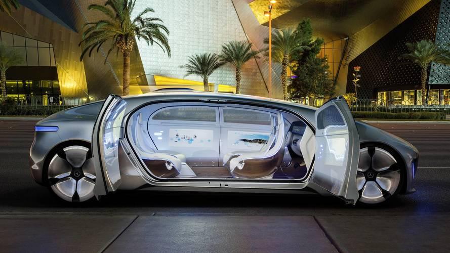 Nem hisz a pedál nélküli autókban a Mercedes