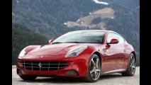 Pau para toda obra: Ferrari FF é usada para carregar madeira nos EUA
