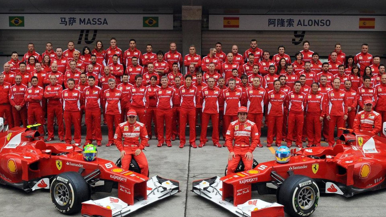 Scuderia Ferrari team photo, Chinese Grand Prix 2012