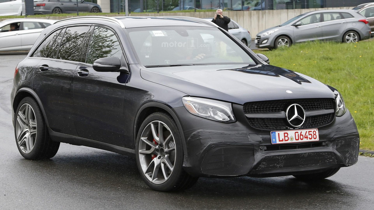 2017 mercedes amg glc 63 spy photos photos. Black Bedroom Furniture Sets. Home Design Ideas