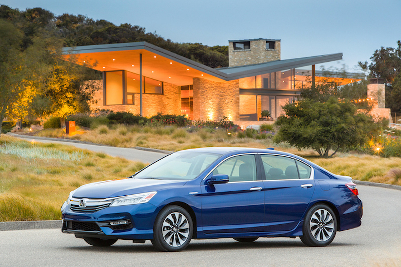 2017 Honda Accord Hybrid: Sedan Sensibility With NSX Tech