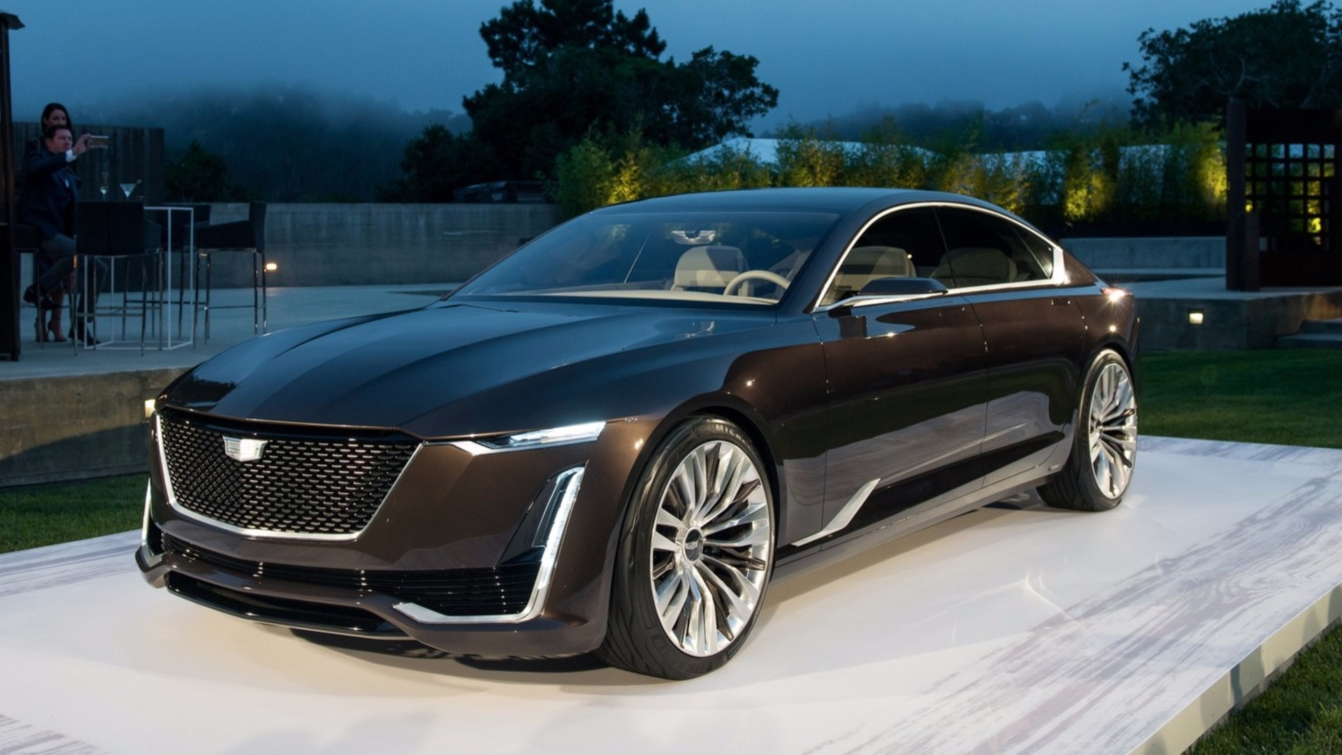 debut v cadillacs sport new of nyias cadillac engine s the