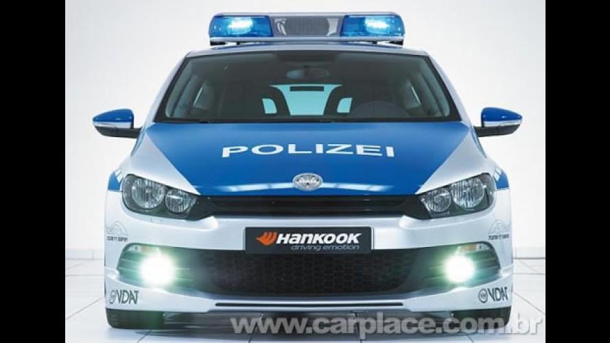 Polícia da Alemanha ganha Volkswagen Scirocco tunado como viatura