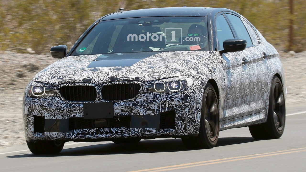 2018 BMW M5 spy photos in Mojave Desert