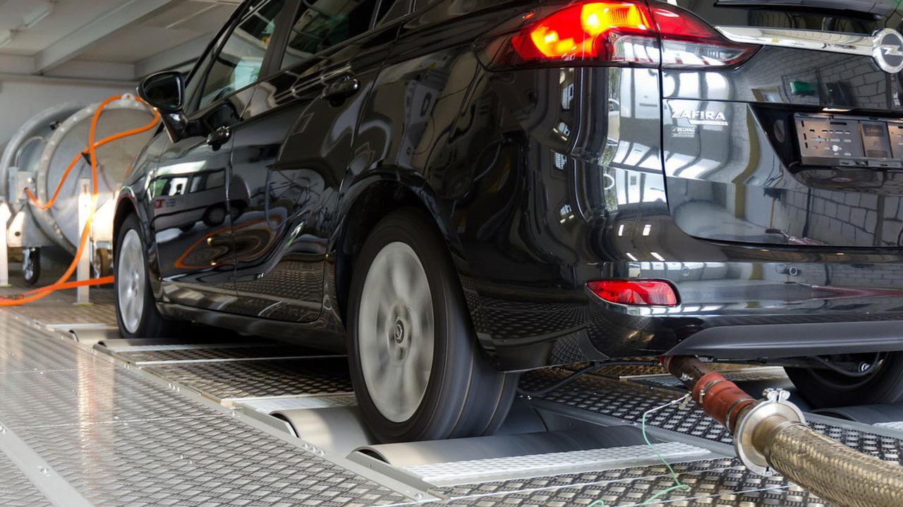 Opel Zafira diesel testing