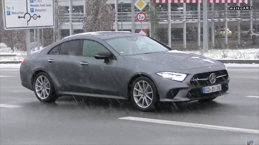 2018 Mercedes-Benz CLS'nin kamuflajsız ilk yol videosu
