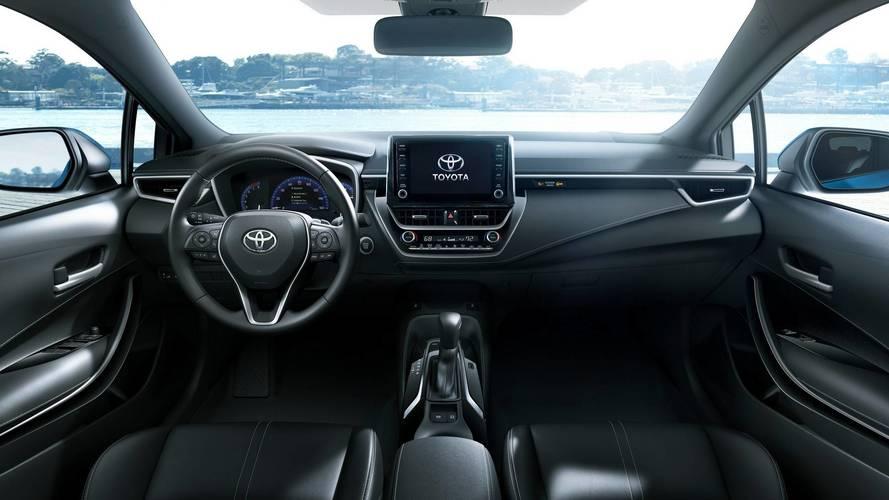 Novo Toyota Corolla Hatchback antecipa interior do sedã