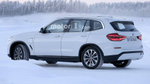 BMW X3 elettrica, le foto spia