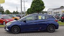 Opel Astra GSi 2018 fotos espía