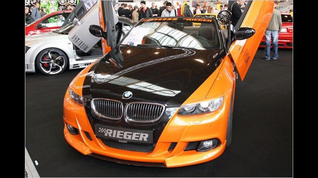 Türen im Stile eines Lamborghini verleihen dem BMW 335i Cabrio von Rieger mit 347 PS eine außergewöhnliche Optik
