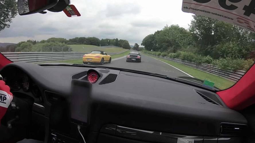 Disfruta de este Porsche 911 GT2 RS devorando curvas en Nürburgring