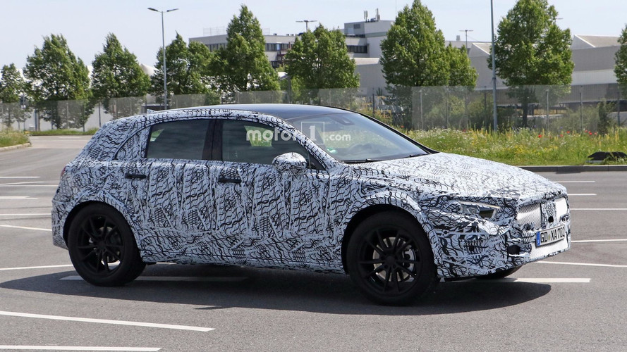 New Mercedes GLA Poses For The Spy Photographer