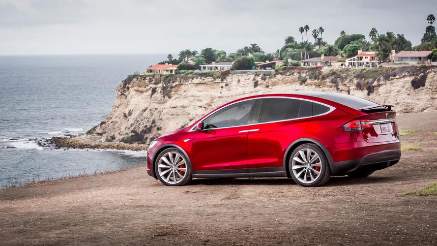Tesla débride l'autonomie des batteries pour fuir l'ouragan Irma